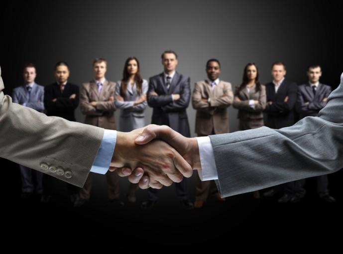 Przewaga konkurencyjna to garść wizytówek do zaufanych partnerów