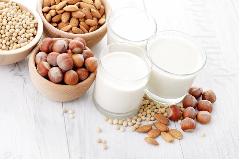 Mleko roślinne – z czym to się je?