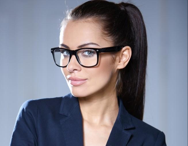 W okularach czy bez: jak odnieść sukces na rozmowie o pracę