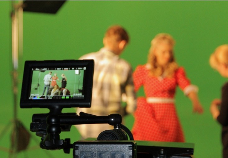 Wystąpienia przed kamerą – jak się ubrać?