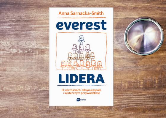 Lider to ktoś, kto każdego dnia stawia sobie cel – recenzja książki Everest Lidera